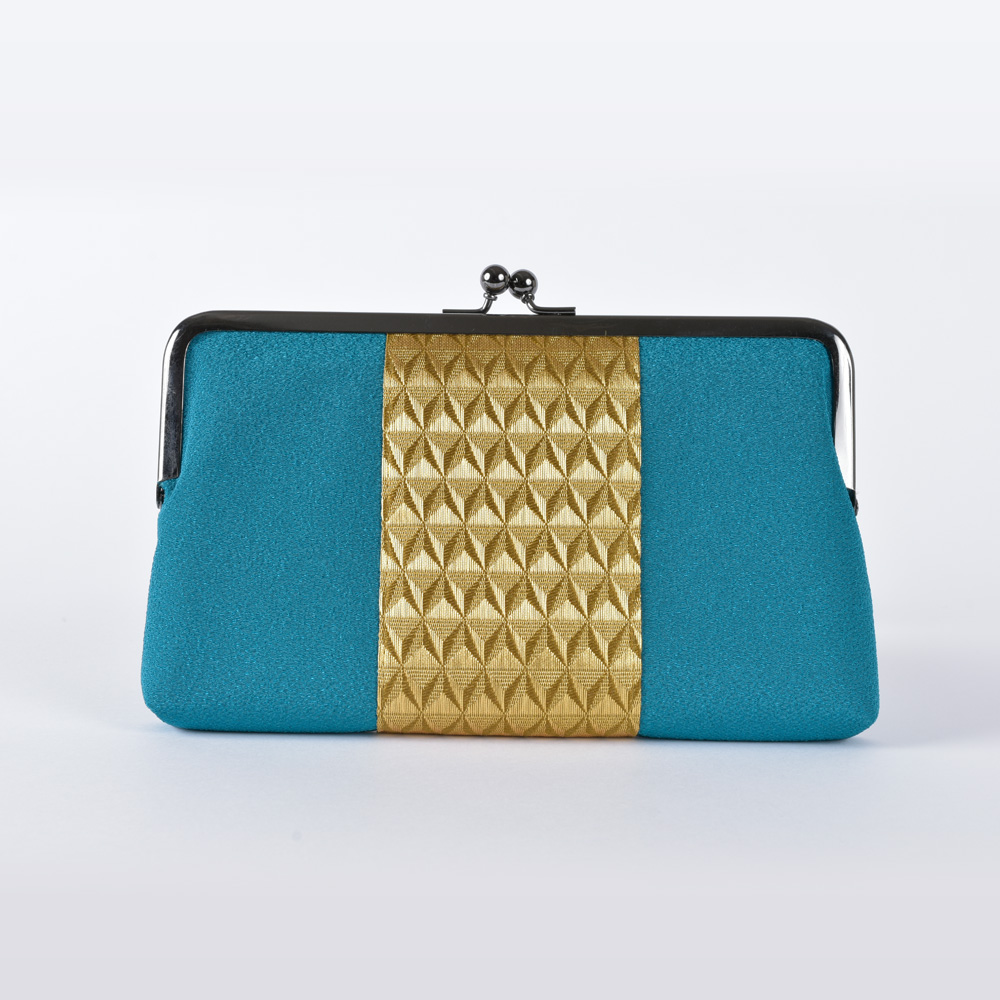 Silk crepe bag with a metal clasp, turquoise